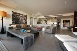 Modern Luxury Penthouse with pool in Nicosia City