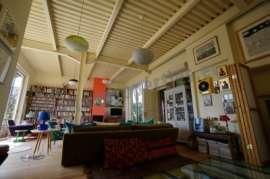 Beautiful,design furnished 2bed maisonette