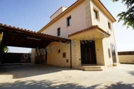 FURNISHED DETACHED HOUSE AT DALI WITH POOL