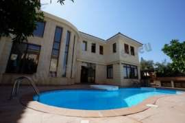 House at Strovolos with 4bedrooms+studio on top