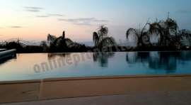 4-bed with pool / garden / amazing views